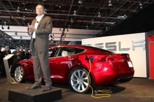 Elon Musk y el Model S de Tesla Motors