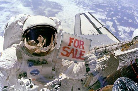 Satélites en venta.